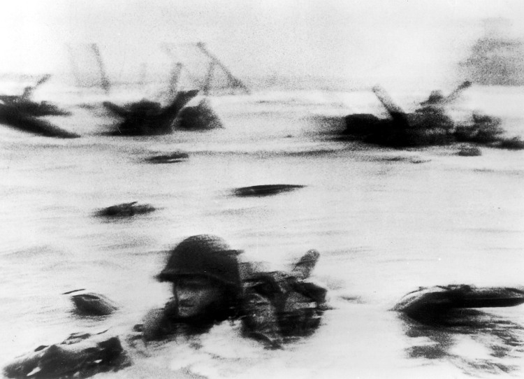 Robert Capa / American Troops Landing on D-Day