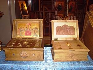 Ковчеги с частицами святых