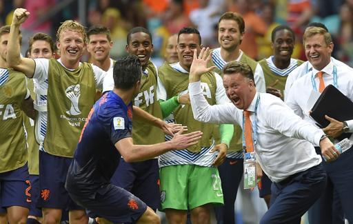 Netherlands'-Robin-van-Persie-celebrates