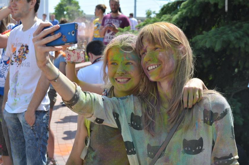 colorfest selfie
