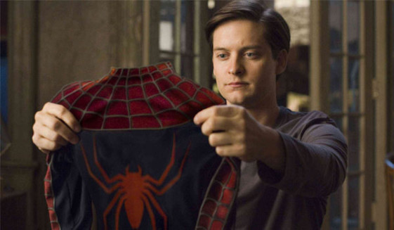 Toby-Maguire-with-Spider-Man-Suit