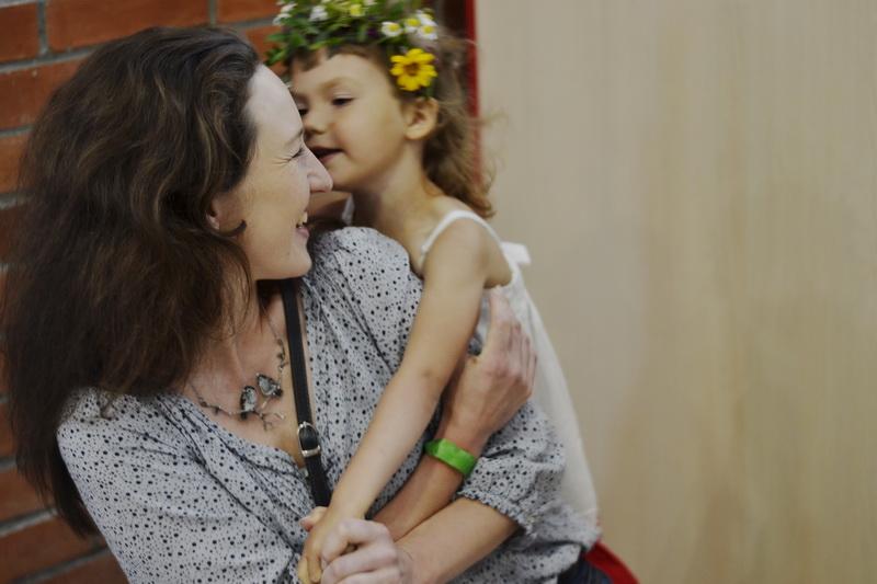 дочь и мать цветы радость эмоции