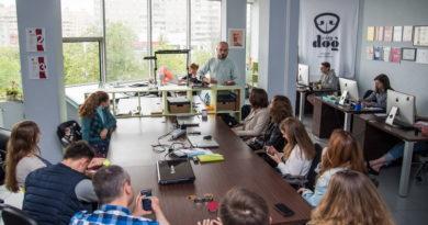 Вот что Сергей Сахаров пожелал веб-журналистам БГУ на выездном занятии. Аудиозапись (обновлено! Добавлены фото!)